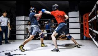 Тренировки по боксу и кикбоксингу